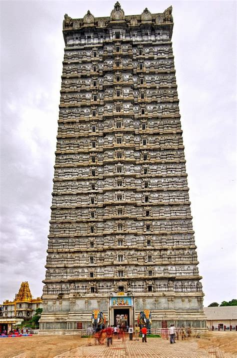 Monuments and sculpture in Karnataka | Stuff You Look