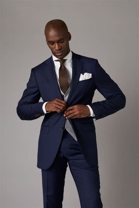 THE DROP | Bespoke suits made for you
