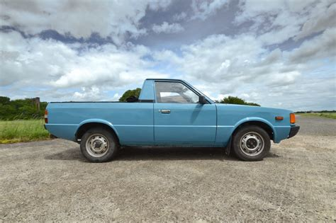 Shitters for sale: Wedge, Hyundai Pony pick-up, Trabant