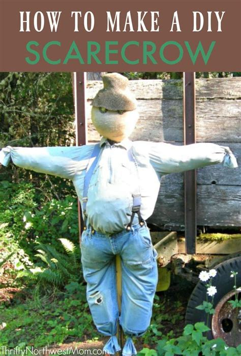 DIY Scarecrow - How to Make A Scarecrow with Items Around