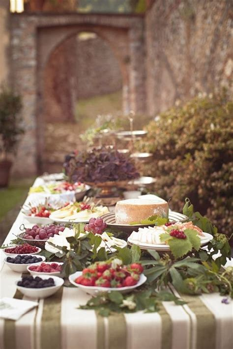 Buffet table decorating ideas – how to set elegant