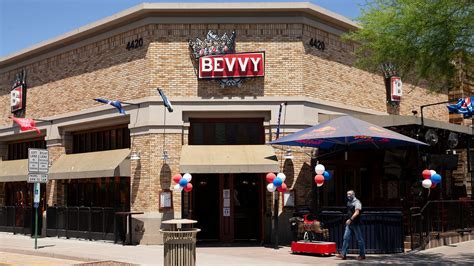 Old Town Scottsdale bars and clubs reopen despite